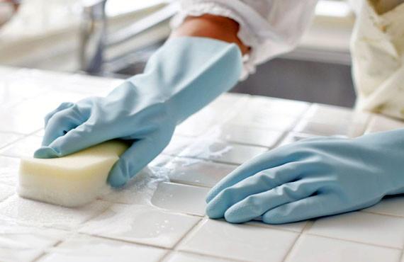 Dezinfectarea în stomatologie – de ce este atât de importantă?